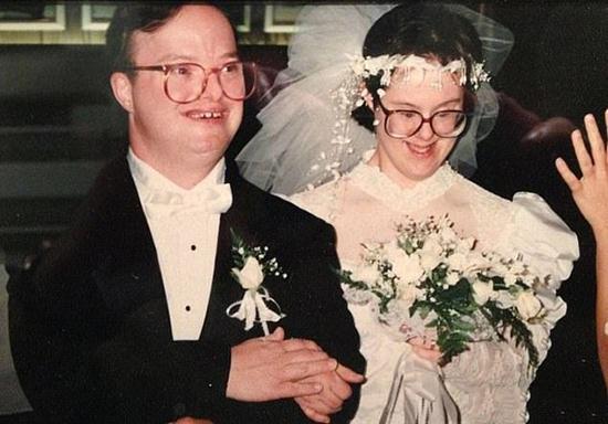 طولانیترین ازدواج سندروم داون با مرگ به پایان رسید (+عکس)