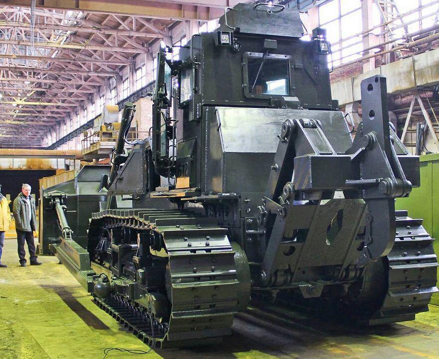روسیه؛ ساخت اولین تراکتور جنگی مین روب (+ عکس)