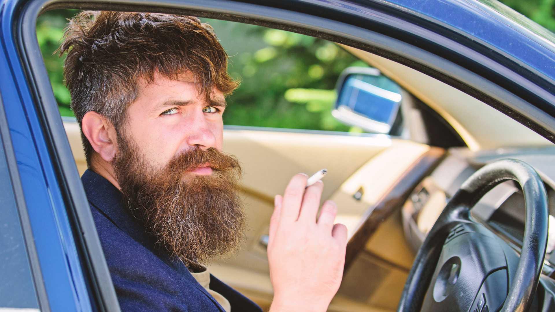 ضررسیگار روی خودرو/ سیگار ارزش خودروی شما را کاهش میدهد