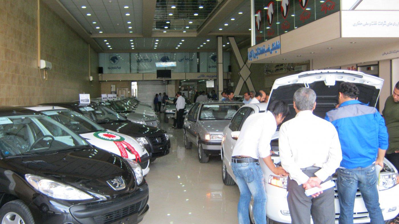 وزیر صنعت : تعطیلی 2 هفته ای خودروسازان از دلایل گرانی خودرو