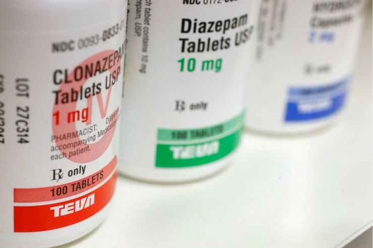 شکایت از مافیای دارو در آمریکا؛ افزایش گاه تا 10 برابری قیمت دارو در آمریکا