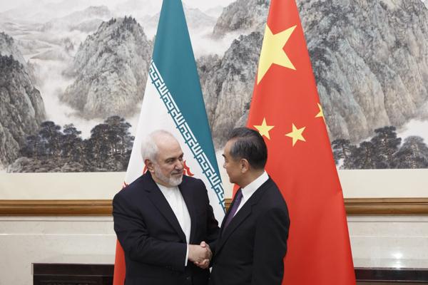 چین: خرید نفت ایران و دهنکجی به تحریمهای آمریکا