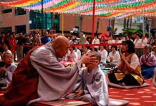 کودکانی که به اجبار راهب بودایی میشوند (+عگس)