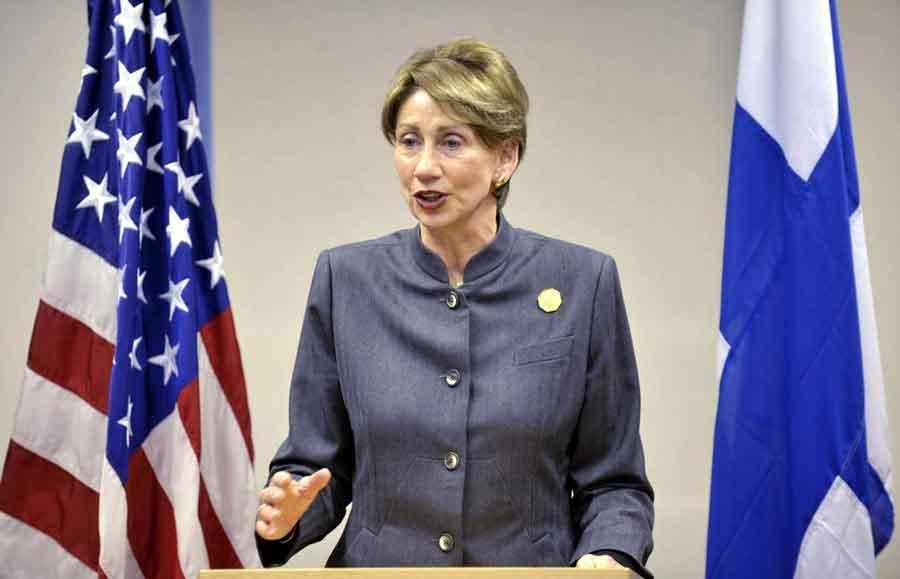 یک زن وزیر نیروی هوایی آمریکا می شود