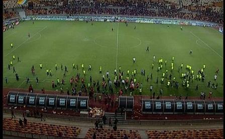 کلکسیونی از تخلفات در فینال جام حذفی/ برگزاری مسابقه به هر قیمت!