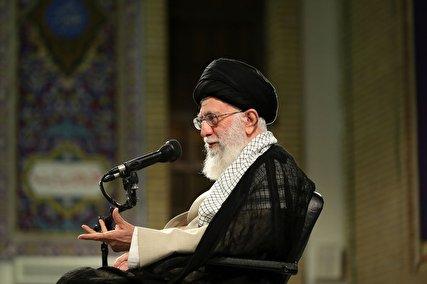 مقام معظم رهبری: زمینه را برای روی کار آمدن دولت جوان و حزباللهی فراهم کنید
