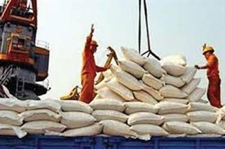 وزیر صنعت: دیگر ممنوعیت واردات هیچ کالایی در دستور کار نیست