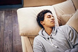 رابطه خواب و سلامت پوست