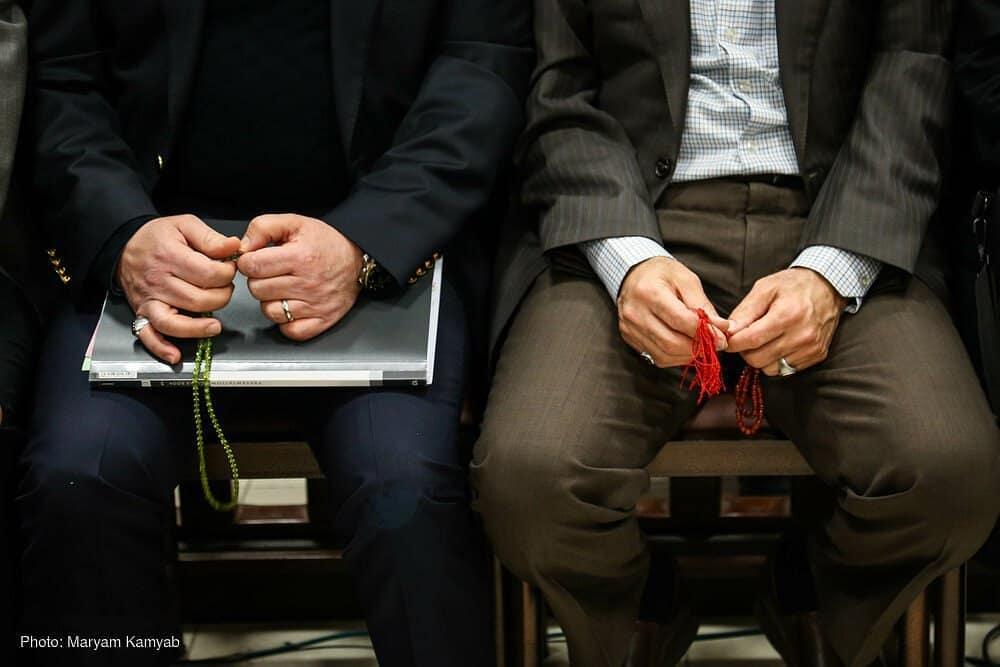 چرا برخی از متهمان فساد بانکی چهره ظاهر الصلاه دارند؟