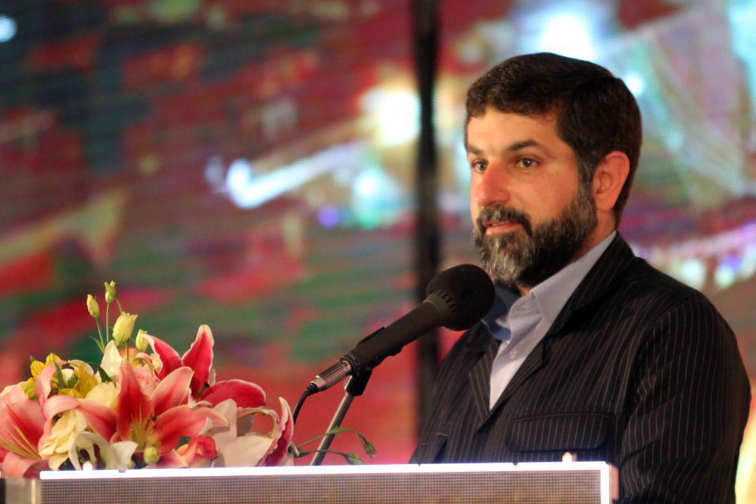 هدیه یک میلیون تومانی برای دانشآموزان کم برخوردار خوزستان/ نه به تبعیض نژادی