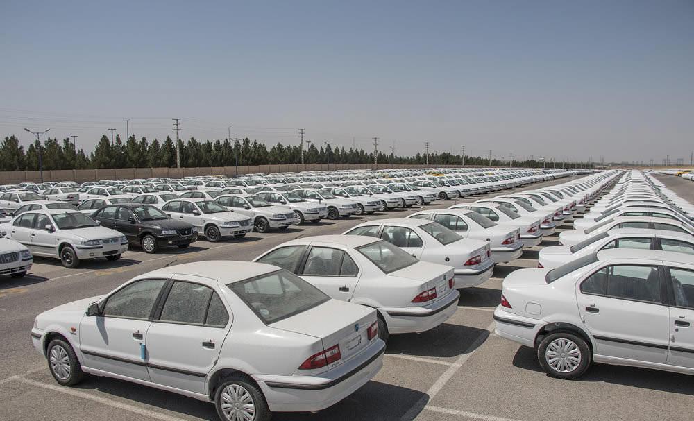 ایران خودرو : 60 هزار خودرو تا کمتر از 2 ماه آینده روانه بازار می کنیم
