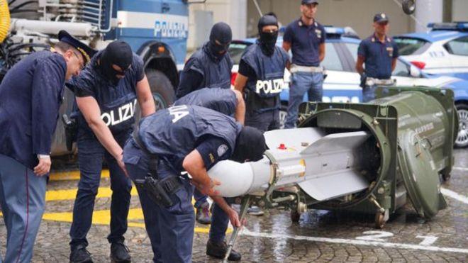 کشف یک موشک پیشرفته متعلق به گروه های افراطی در شمال ایتالیا