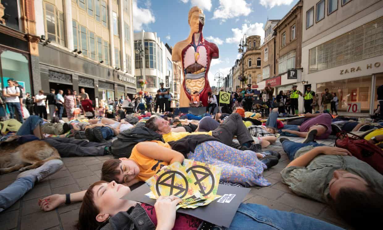 کنشگران محیط زیست ورودی بزرگ ترین طرح فاضلاب لندن را مسدود کردند