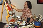 محدودیت مانع پیشرفت نیست/ ببینید چگونه یک معلول ضایعه نخاعی، نقاشی مشهور میشود (+فیلم)