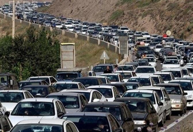 انتقادات صریح پلیس راهور از دلایل ترافیک در جادههای شمال/1.4 میلیون خودرو در تعطیلات عید فطر به سمت شمال روانه شدند