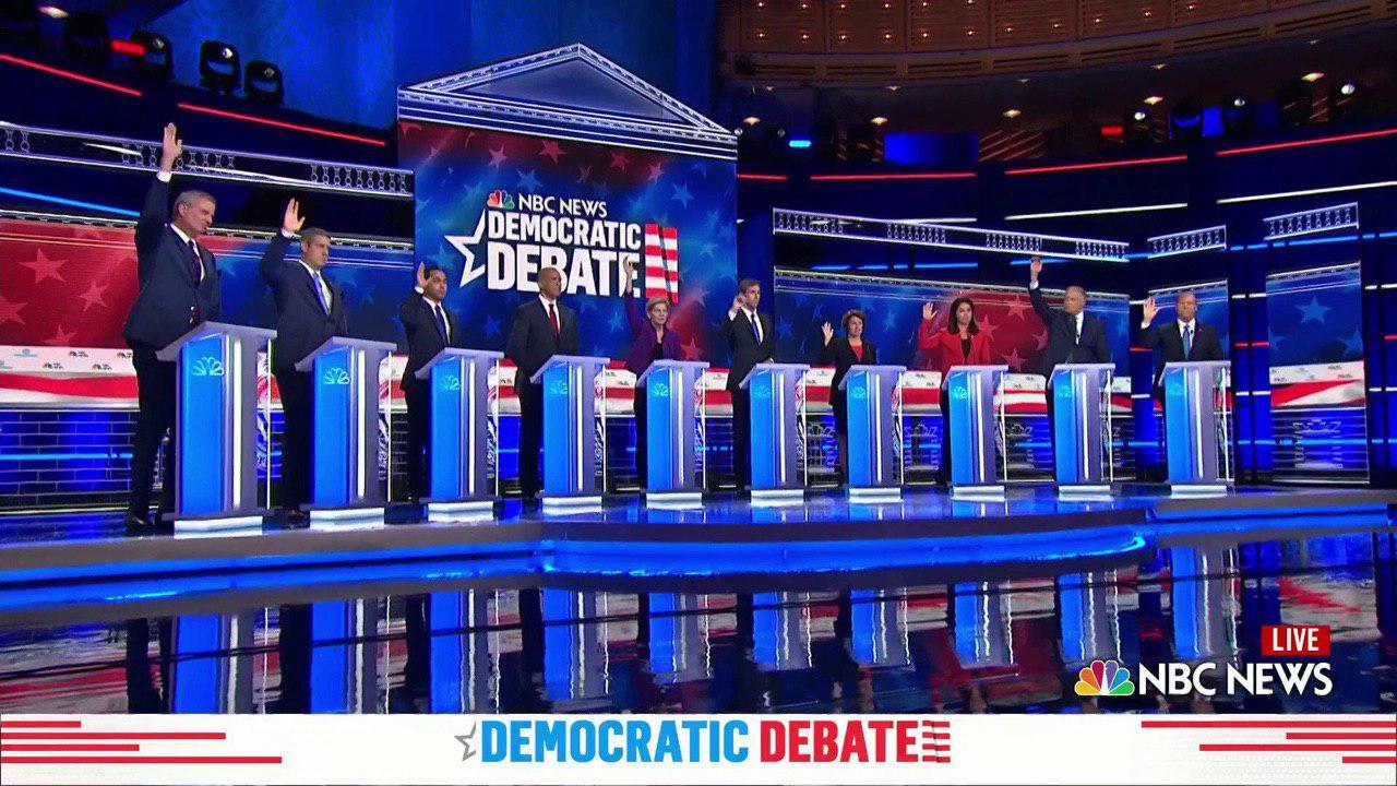 رایگیری درباره برجام در نخستین مناظره انتخاباتی نامزدهای حزب دموکرات آمریکا(+عکس)