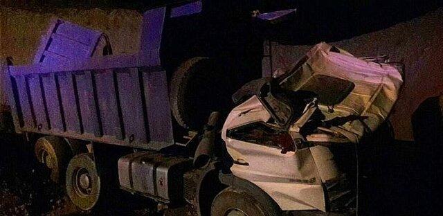 سقوط آزاد کامیون به گودالی در بزرگراه بابایی (+ عکس)