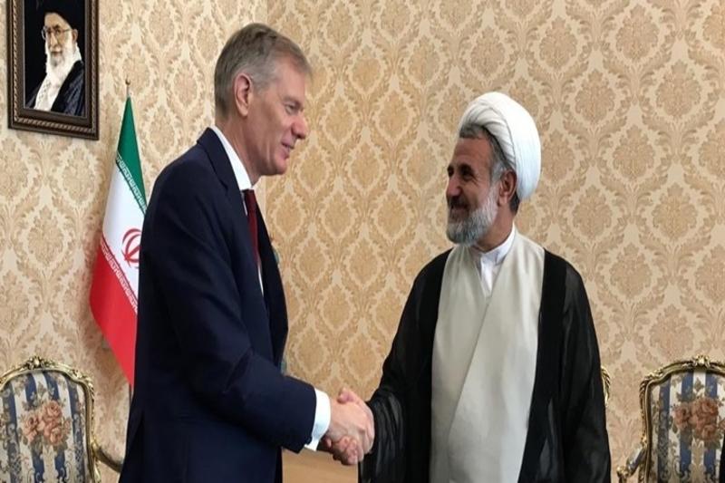 اظهارات ذوالنور درباره دیدارش با سفیر بریتانیا/ 15 سفیر در نوبت دیدار هستند