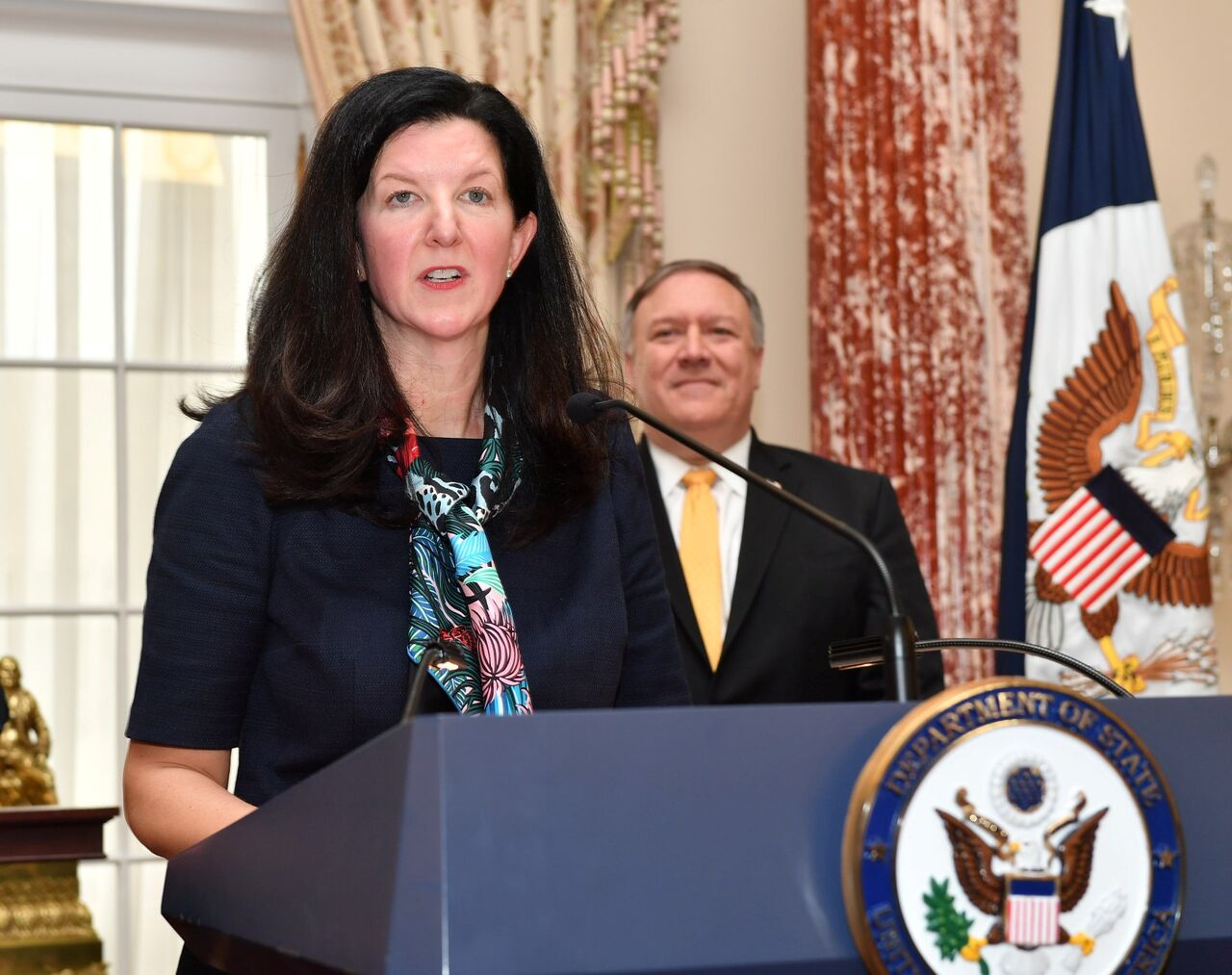 استعفا معاون وزارت خارجه آمریکا