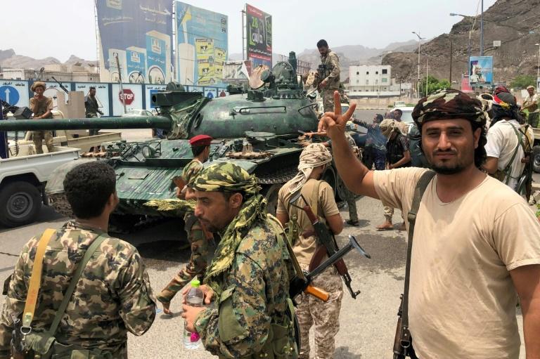سقوط کاخ ریاست جمهوری عدن به دست استقلال طلبان جنوب یمن/ نزاع غیرمستقیم سعودی و امارات