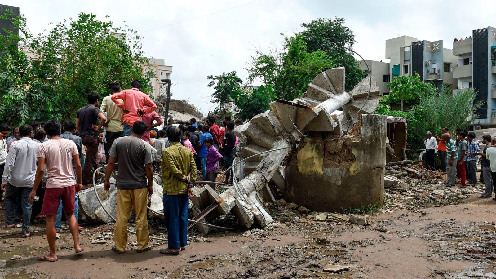 200 کشته در سیل هند/ بارشهای شدیدتر ادامه دارد