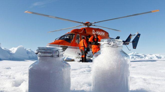 از آسمان قطب شمال با برف ذرات ریز پلاستیکی می بارد