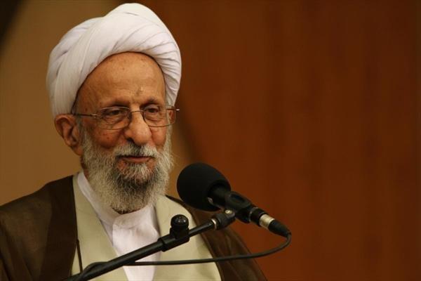 مصباح یزدی: بعد از 30 سال نمیتوان یک اشتباه از رهبری گرفت