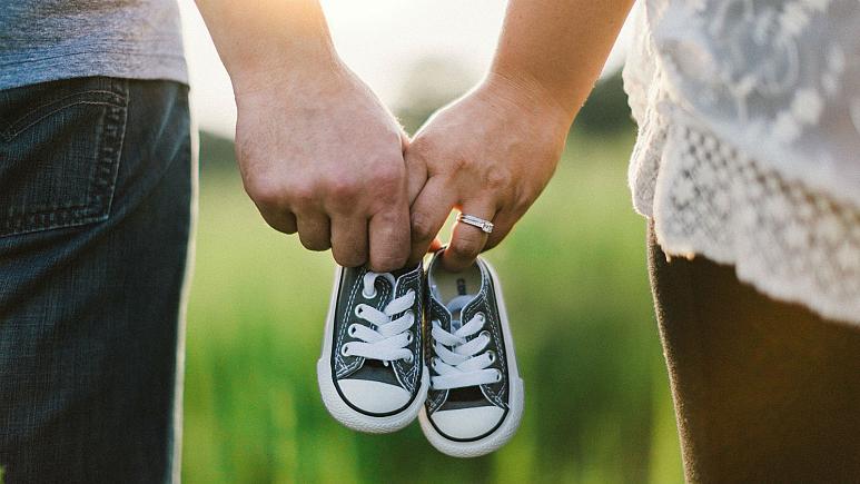 زوجهای مجاری صاحب سه فرزند 30 هزار یورو وام میگیرند