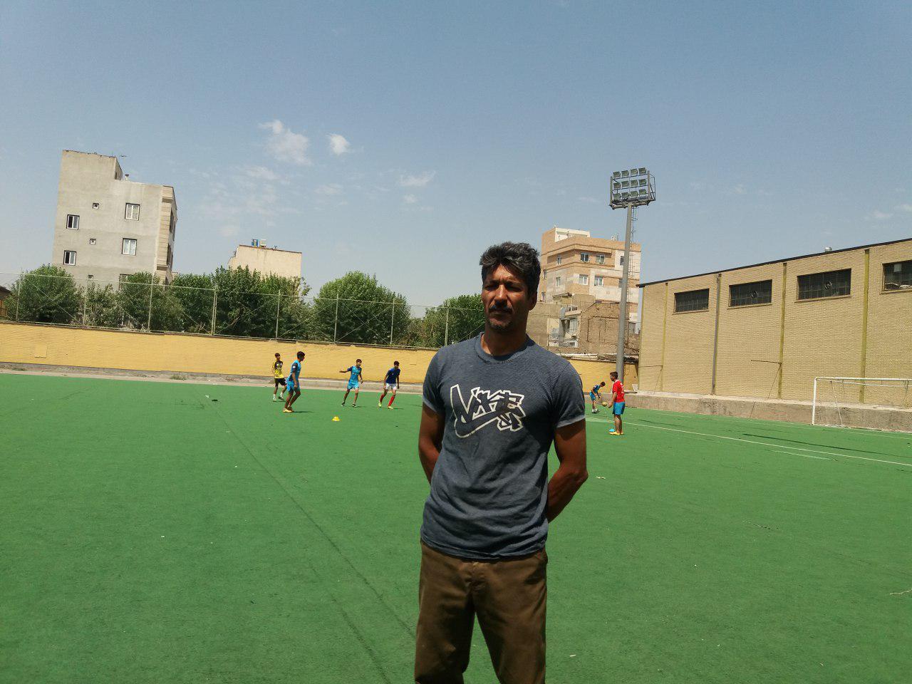 کودکان کار در زمین فوتبال: جنگیدن برای به زندگی