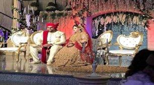 مرد ثروتمند هندی عروسش را با تانک به خانه بخت برد