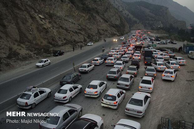 ترافیک پرحجم و سنگین در محور هراز و فیروزکوه