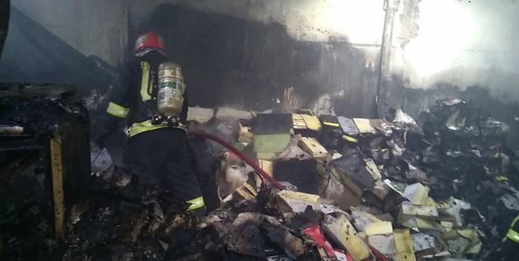 آتش سوزی انبار کفش در بازار تبریز (+عکس)