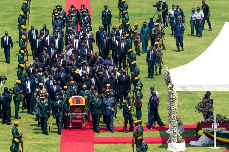 مردم زیمباوه در خصوص مرگ موگابه چه میگویند؟
