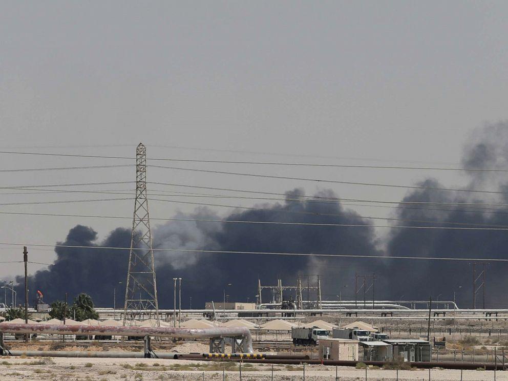 ادعای یک مقام آمریکایی در باره حمله به میدان نفتی عربستان: موشک از ایران شلیک شد