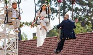 مراسم ازدواج زن بندباز در آسمان! (+عکس)