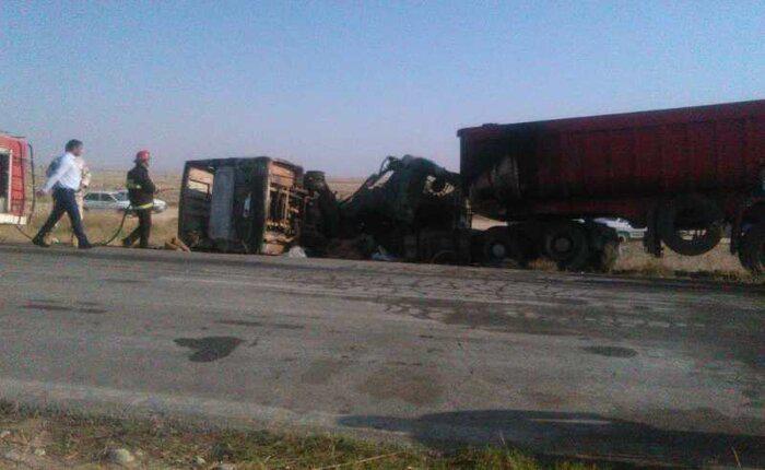 10 کشته در تصادف مینی بوس و کامیون در گلستان (+فیلم)