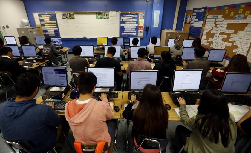 قدم اول کالیفرنیا برای دانشآموزان: بیشتر بخوابید و دیرتر به مدرسه بیایید
