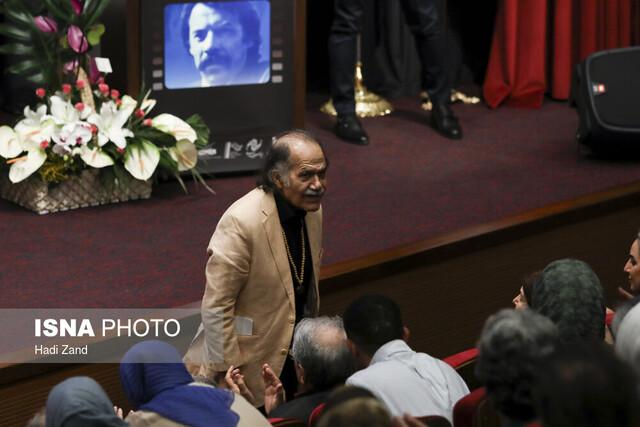 حاشیه و متن مراسم پرچهره «اهدا نشان» داود رشیدی (+عکس)