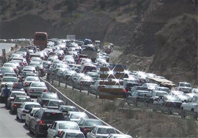 ترافیک نیمه سنگین در محورهای کرج - قزوین و چالوس