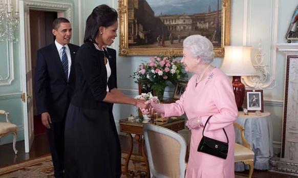 اعترافات خندهدار میشله اوباما در برخورد با ملکه بریتانیا (+عکس)