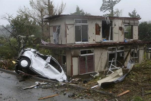 طوفان سهمگین در توکیو ژاپن/ 2 کشته و 60 زخمی