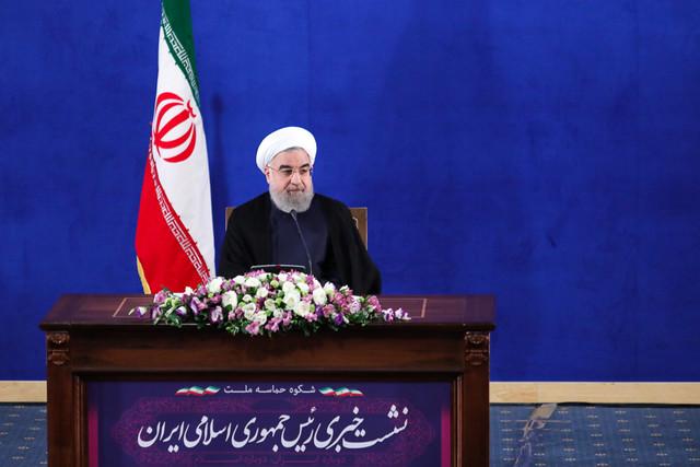 روحانی: شرایط آماده باشد حاضریم تبادل زندانیان ایران و آمریکا را پیگیری کنیم/ تلاش میکنیم روند ورود زنان به ورزشگاهها ادامه داشته باشد/نمی خواهیم قیمت سوخت را بالا ببریم
