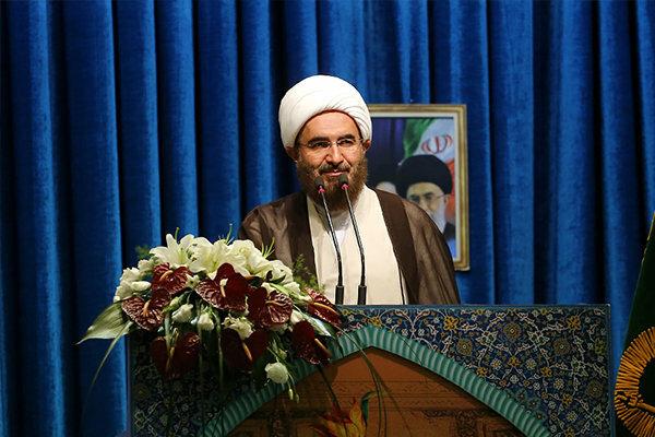 خطیب نمازجمعه تهران: اربعین اسم رمز شیعیان است
