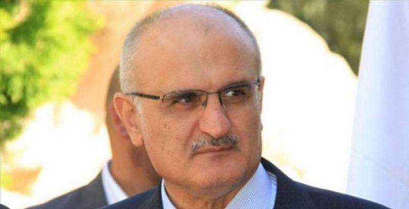 توافق نخست وزیر و وزیر اقتصاد لبنان برای تنظیم بودجه بدون مالیات جدید/ عقب نشینی دولت