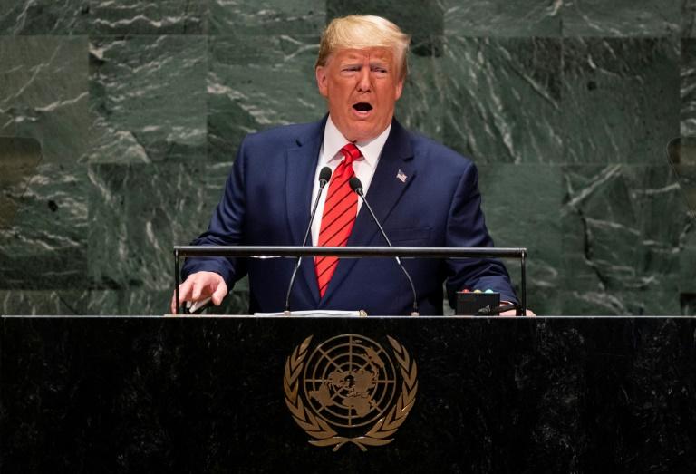 پلوسی خواستار استیضاح رئیس جمهور: ترامپ باید پاسخگو باشد