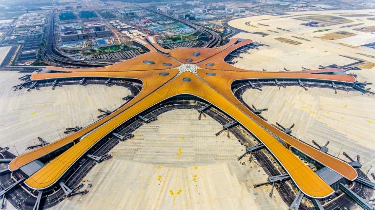 افتتاح بزرگترین فرودگاه جهان در پکن در آستانه هفتاد سالگی حکومت کمونیستی