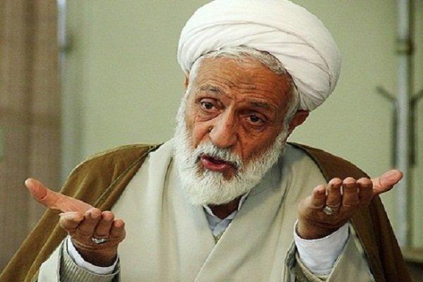 امام جمعه اصفهان: فکر میکنند هرکسی تندروتر باشد انقلابیتر است