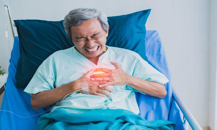 بارزترین تفاوت های درد قلب با سوزش سردل