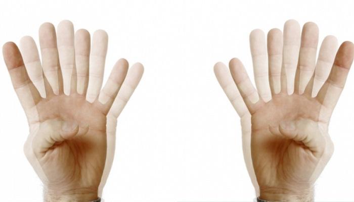 10 دلیل لرزش دستها