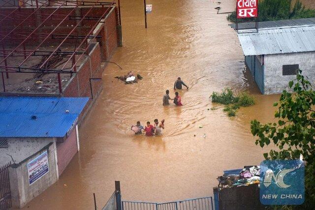 دهها کشته و هزاران آواره در پی بارندگیهای شدید در هند